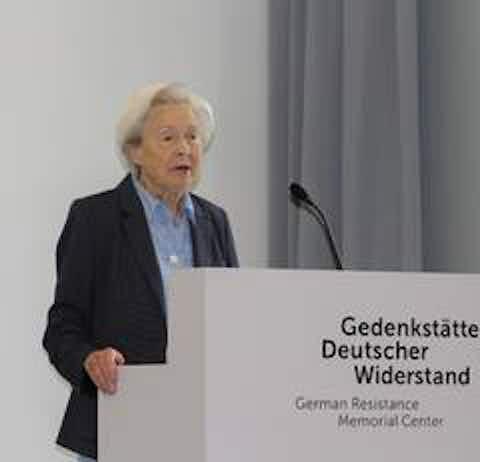 Dr. Uta von Aretin