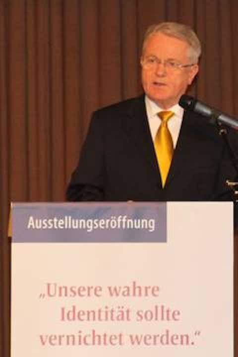Dr. Axel Hartmann