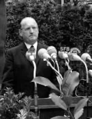 Dr. Hans Speidel