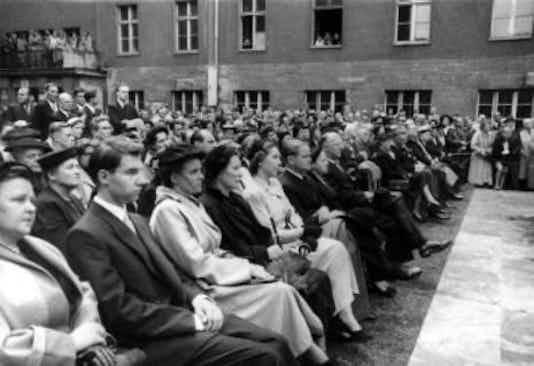 Gedenkfeier, Ehrenhof des Bendlerblocks in der Bendlerstraße, Berlin, 19.07.1953