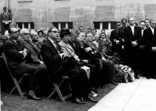 Gedenkfeier, Ehrenhof des Bendlerblocks in der Stauffenbergstraße, Berlin, 20.07.1962