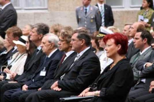 Gedenkfeier, Ehrenhof der Gedenkstätte Deutscher Widerstand in der Stauffenbergstraße, Berlin, 20.07.2008