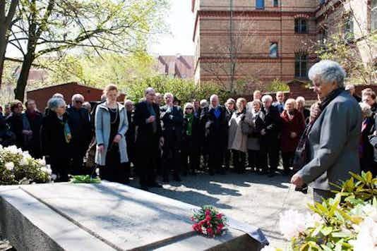 Gedenkfeier, Kapelle auf dem Dorotheenstädtischen Friedhof, Berlin, 21.04.2016