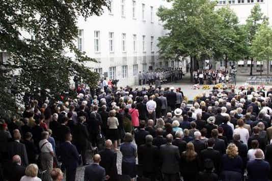 Gedenkfeier, Ehrenhof der Gedenkstätte Deutscher Widerstand in der Stauffenbergstraße, Berlin, 20.07.2016