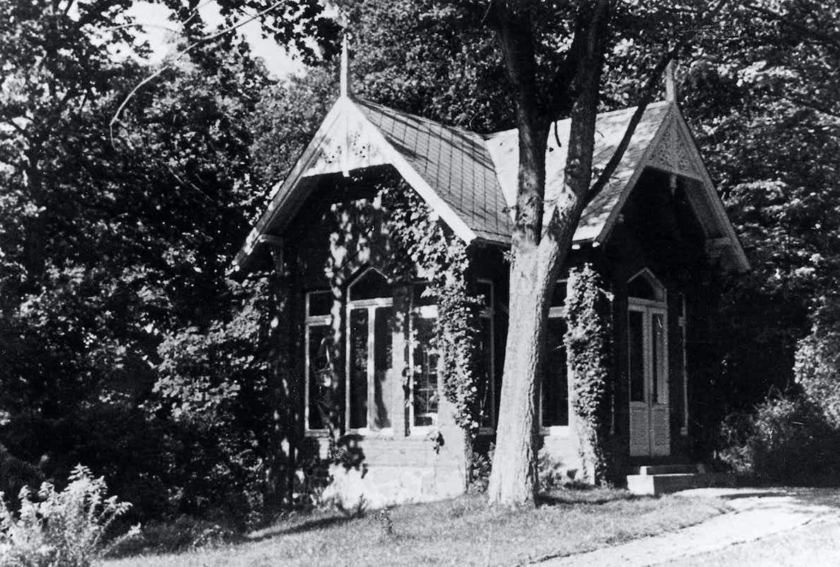 2 Das Trebbower Teehaus, wo Ostern 1944 ein konspiratives Treffen mit Stauffenberg stattfand.