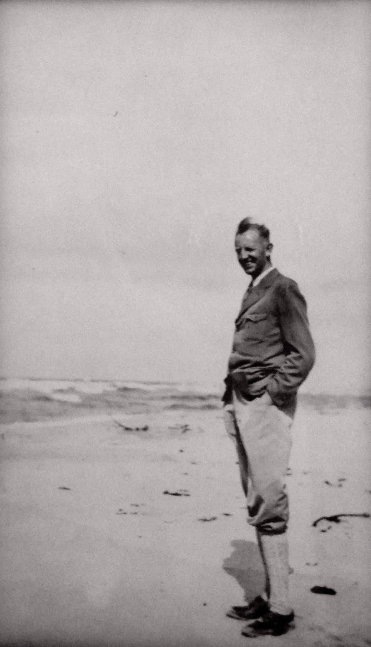 1 Fritz-Dietlof von der Schulenburg an der Ostsee, um 1940